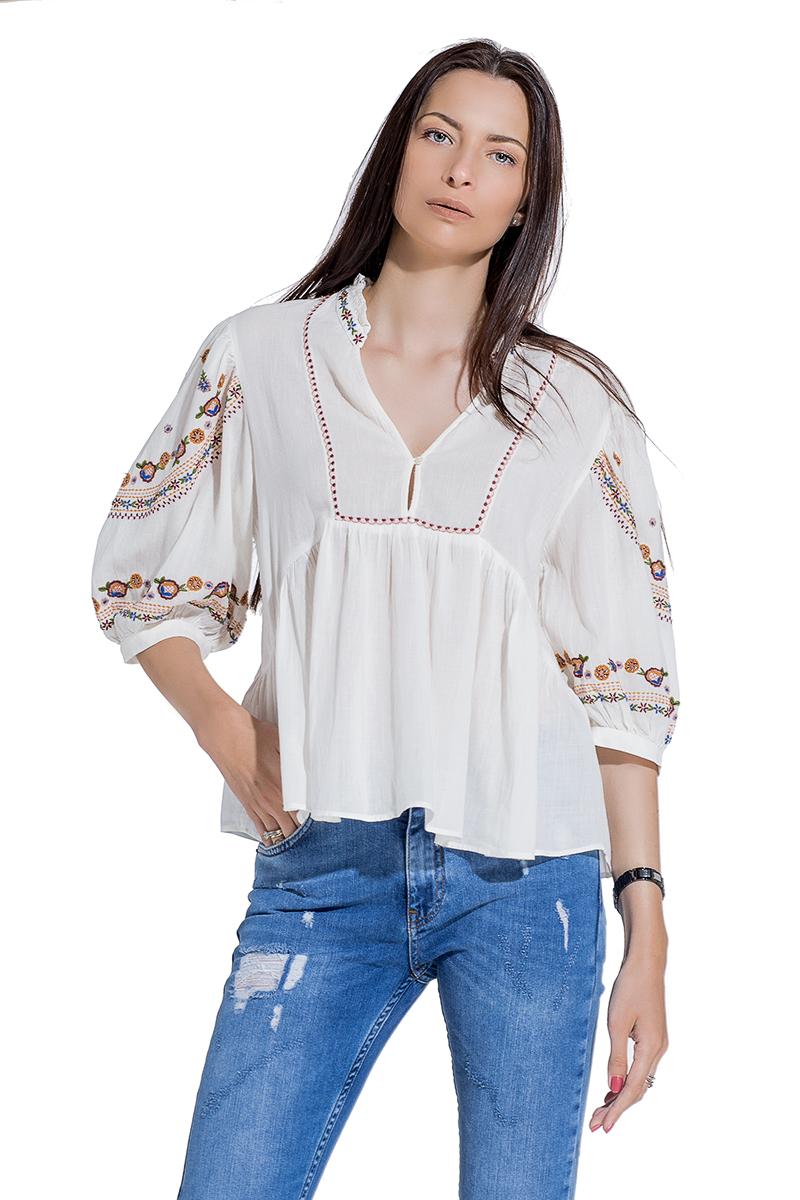 fd2e3a26fa9 Дамска блуза от бял памук с етно бродерия - Gang.bg